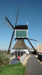 20160830 10.49 groot ammers graaflandse molen pelgrimspad